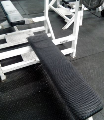 shelf liner for non slip bench press