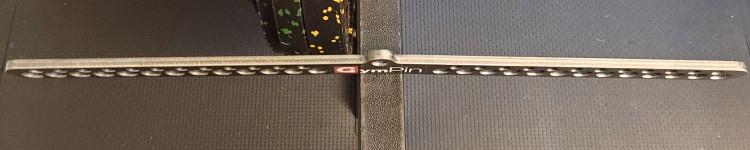 Slim Profile of the Gym Pin D-Handle Bar